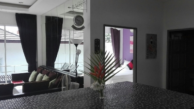 holiday house rental, Villa Paris, living room overlooking the room Sacré Coeur, Chaweng, koh samui.