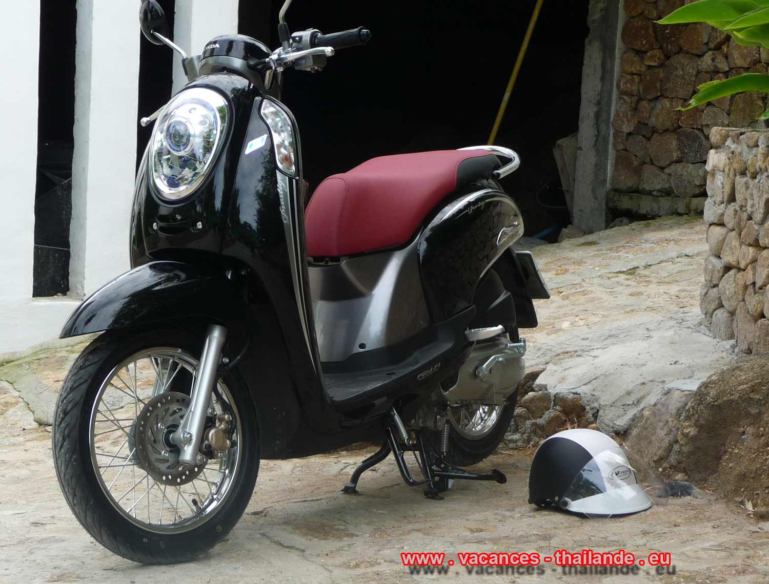 p32 scooters Honda leased the house and are available on arrival and especially without formalities so called resting ansi that helmets has samui koh thailand